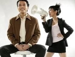 Нарушение слуха может происходить из-за проблем с височными суставами. А проблемы с височными суставами, в свою очередь, зависят от состояния прикуса и зубов.
